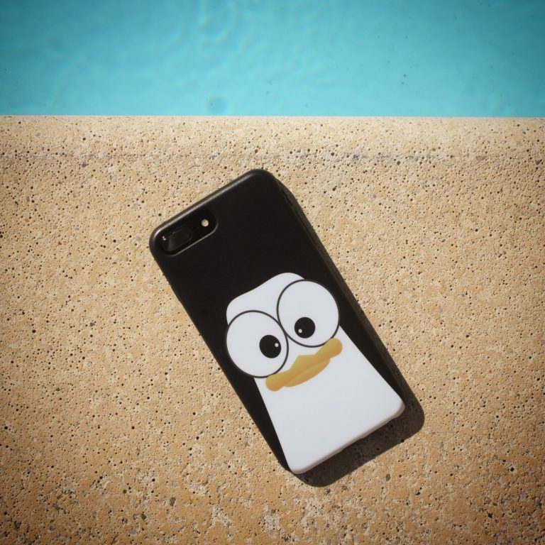 Crazy Pinguins Case iPhone Black